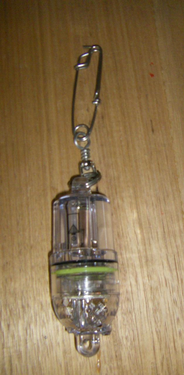 1 x duralight deep drop light  with clip  white